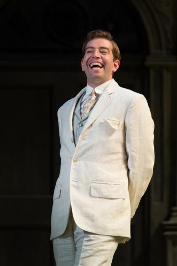 Edward Bennett as Berowne